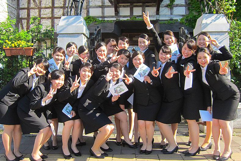 札幌・円山に佇む高級レストラン「オーベルジュ・ド・リル サッポロ」でテーブルマナー研修