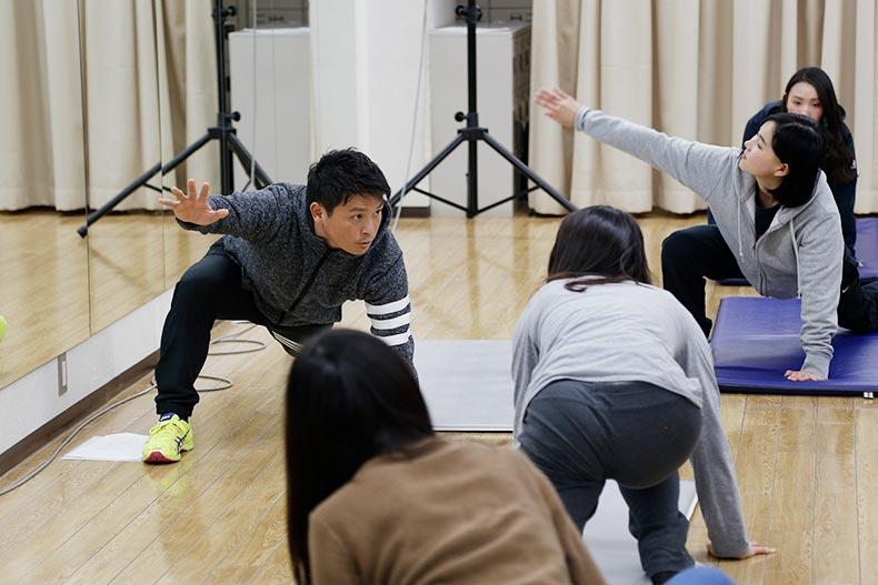 目指せキャビンアテンダント!山下塾でフィギュアスケーター高橋大輔さんのトレーナーによる特別授業を開催!