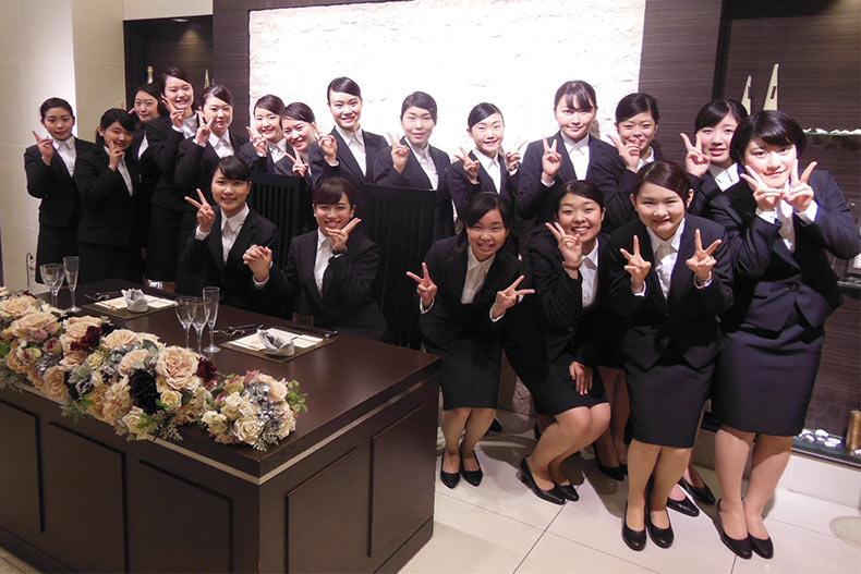 「アール・ベル・アンジェ札幌」に校外研修!