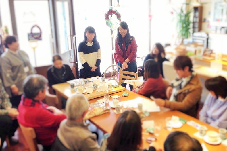 高齢者への接客を学ぶ!コミュニティ・カフェのボランティアに参加しています