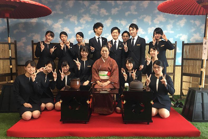 【先生によるお役立ち情報】おもてなしとマナーを学ぶ!ホテル学科で茶道の授業がはじまりました。