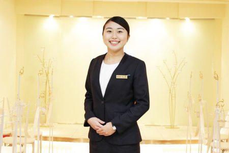 昭和7年創業・全国115店を展開する、きもの・ドレス・アパレル・ジュエリー・ファーレザーを扱うファッション企業『三松』に内定