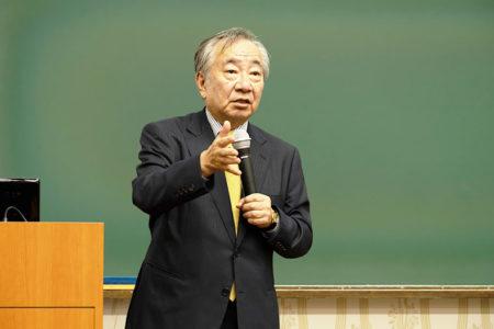 慶應義塾大学名誉教授・京都産業大学法学部教授の安冨潔弁護士が来校、「司法制度と裁判員裁判」セミナーを開催