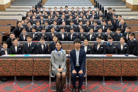 全員内定に向けてスタート。1年生 就職特別授業『業界研究会』を開催しました。