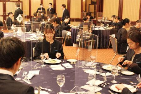 ホテル学科1年生 札幌グランドホテルでテーブルマナー実習を行いました!